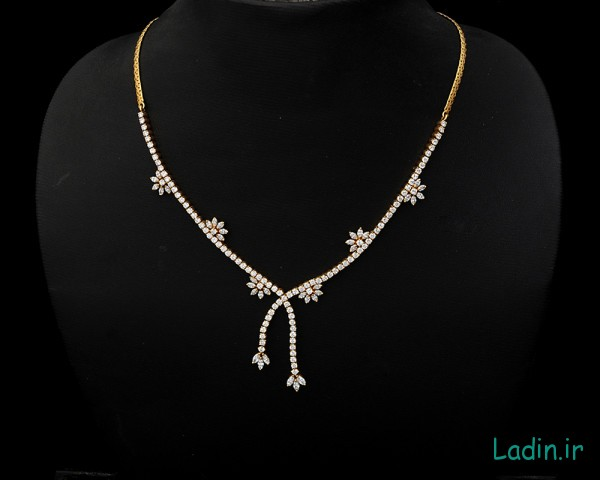 diamond-necklace-marquise-shaped-zoom