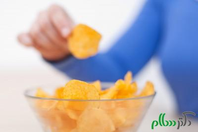 01-bad-habits-snacking-chips