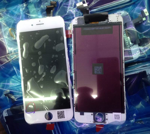 4.7-inch-Apple-iPhone-6-on-left-5.5-inch-Apple-iPhone-6L-on-right