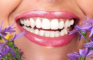 Dental-care-tips-for-whitening-teeth-naturally-620x399